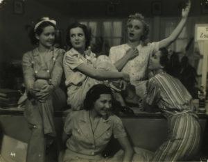 Habos kávés filmklub: Mai lányok (1937.) @ Bethlen Téri Színház | Budapest | Budapest | Magyarország